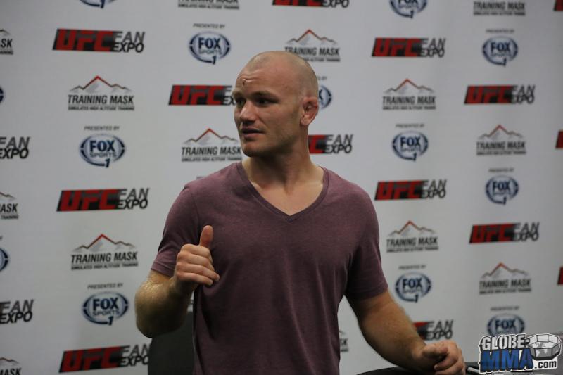 UFC Fan Expo 2013  (10)