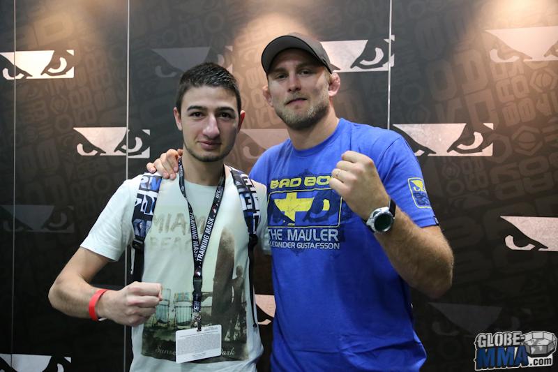 UFC Fan Expo 2013  (17)
