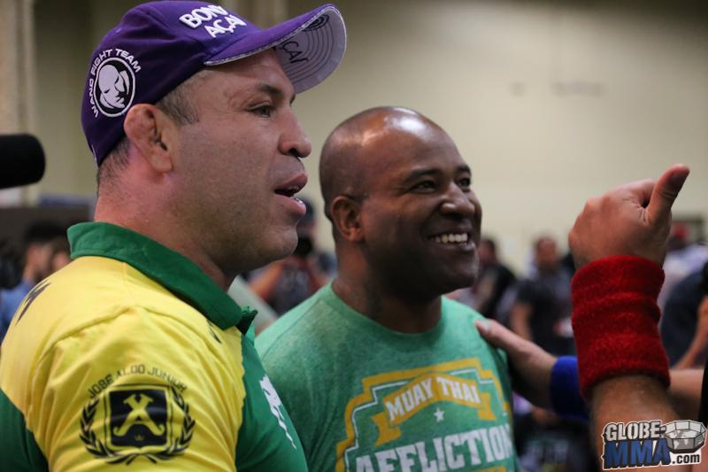 UFC Fan Expo 2013  (36)