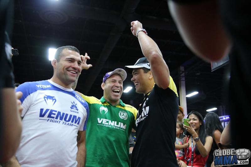 UFC Fan Expo 2013  (42)