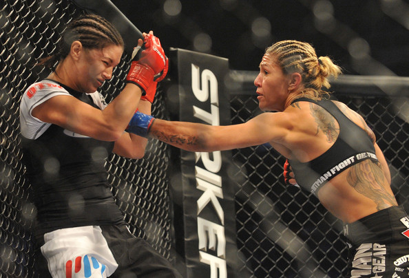 Gina Carano vs Cristiane Cyborg Strikeforce