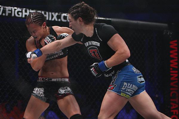 Sara McMann fight