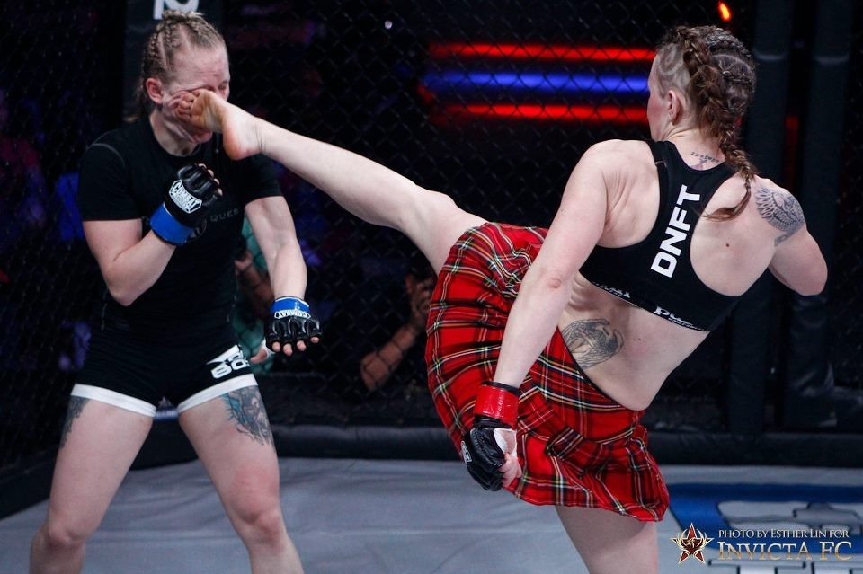 Joanne Calderwood high kick