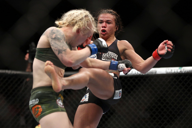 Claudia Gadelha fight