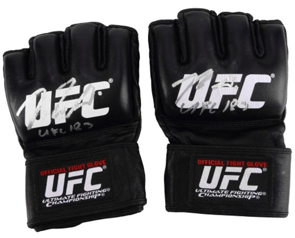 nick-diaz-ufc-183-fight-worn-gloves
