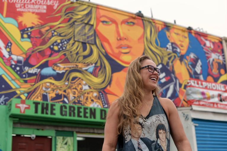 Ronda Rousey et Street Art Venice Beach